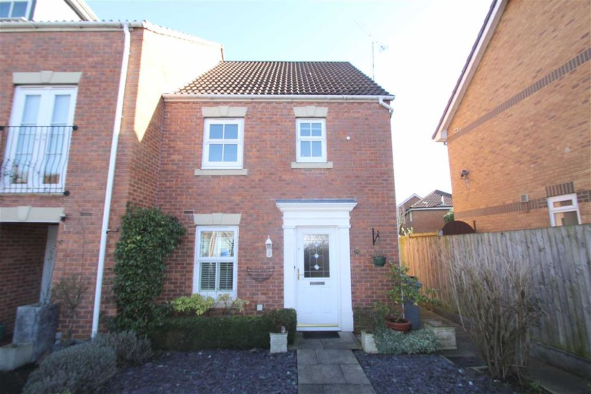 3 Bedrooms Town House for sale in Maryport Drive, Timperley