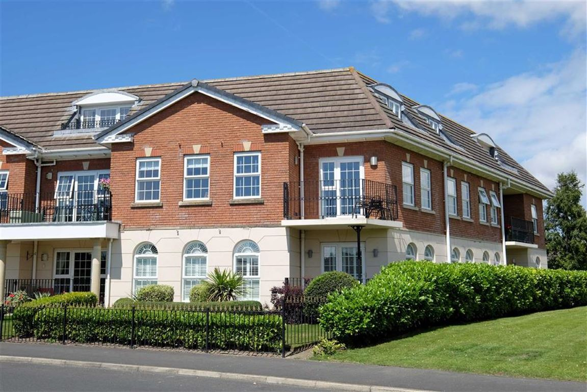 2 Bedrooms Property for sale in The Magnolias, Cypress Point, Lytham