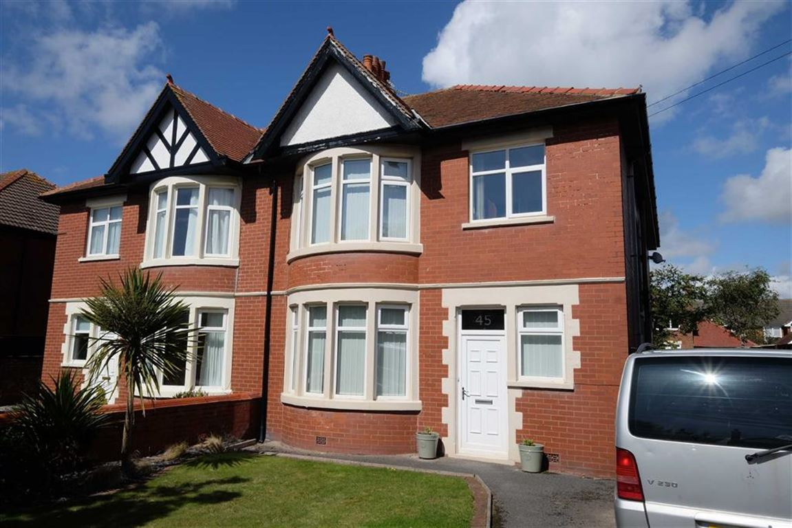 4 Bedrooms Property for sale in Newbury Road, St Annes