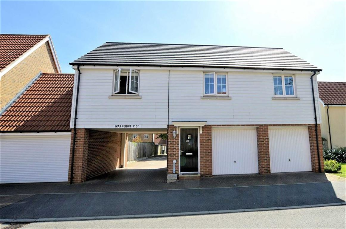 2 Bedrooms Property for sale in Blenheim Square, North Weald