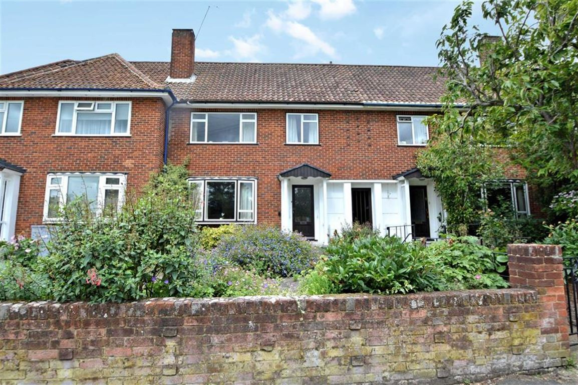 3 Bedrooms Terraced House for sale in Church Hill, Epping