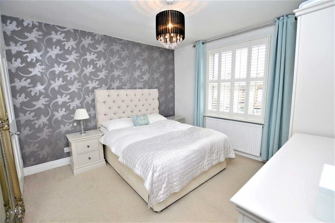 2 Bedrooms Property for sale in James Street, Epping
