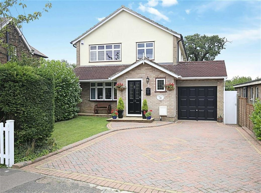 4 Bedrooms Detached House for sale in High Road, North Weald