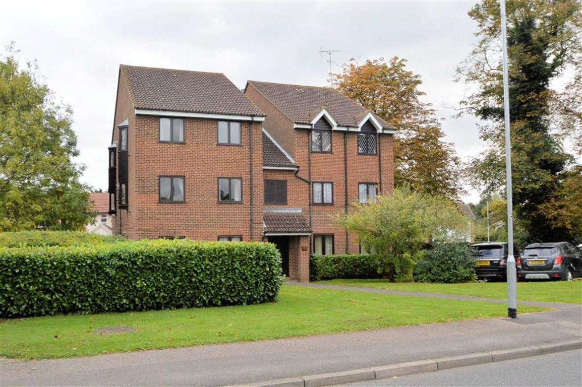 1 Bedroom Flat for sale in Wellington Road, North Weald