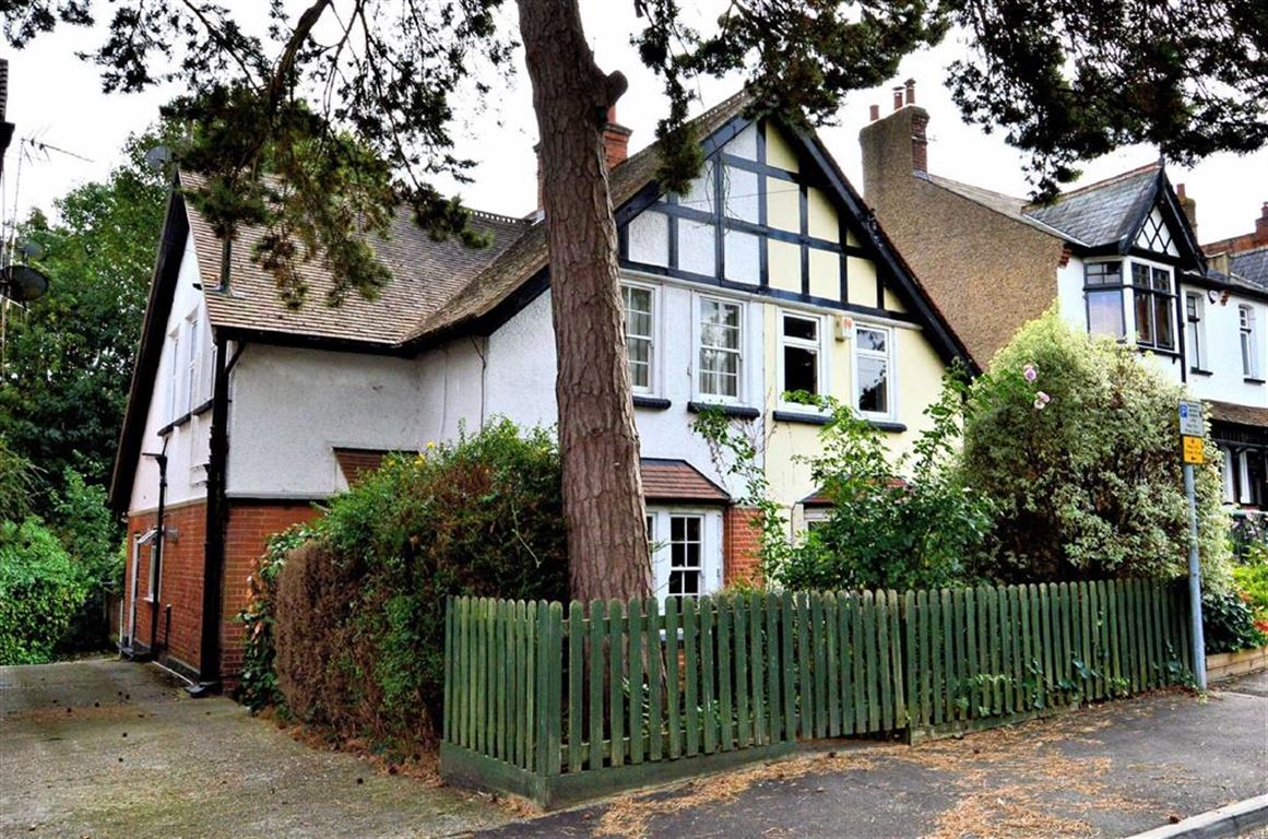 1 Bedroom Flat for sale in Kendal Avenue, Epping