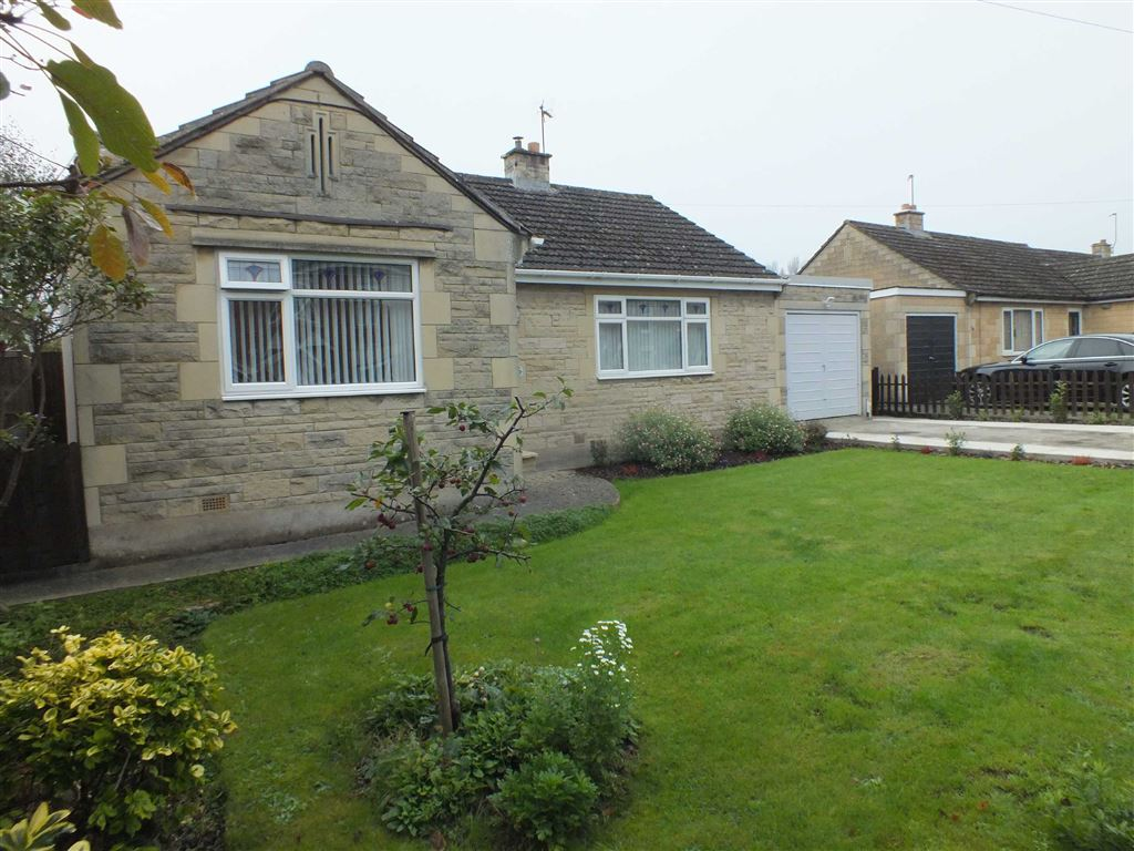 3 Bedrooms Detached Bungalow for sale in Wynsome Street, Southwick, Wiltshire, BA14