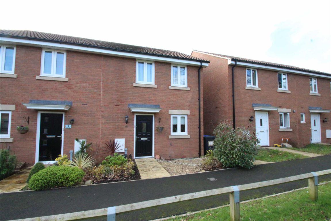 3 Bedrooms Semi Detached House for sale in Blue Hills Walk, Hilperton, Trowbridge, Wiltshire, BA14