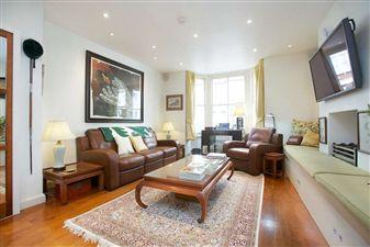 Property in Leathwaite Road, SW11