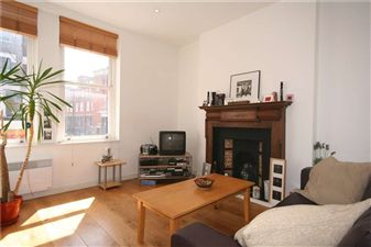 Property in Lavender Hill, SW11
