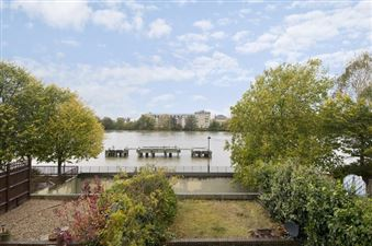 Property in Rainville Road, Hammersmith, London