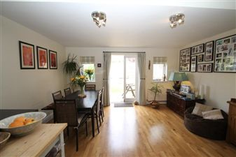 Property in Arragon Gardens, Streatham, SW16