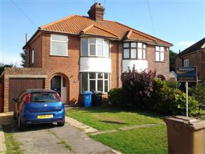 Property in LANCING AVENUE, IPSWICH