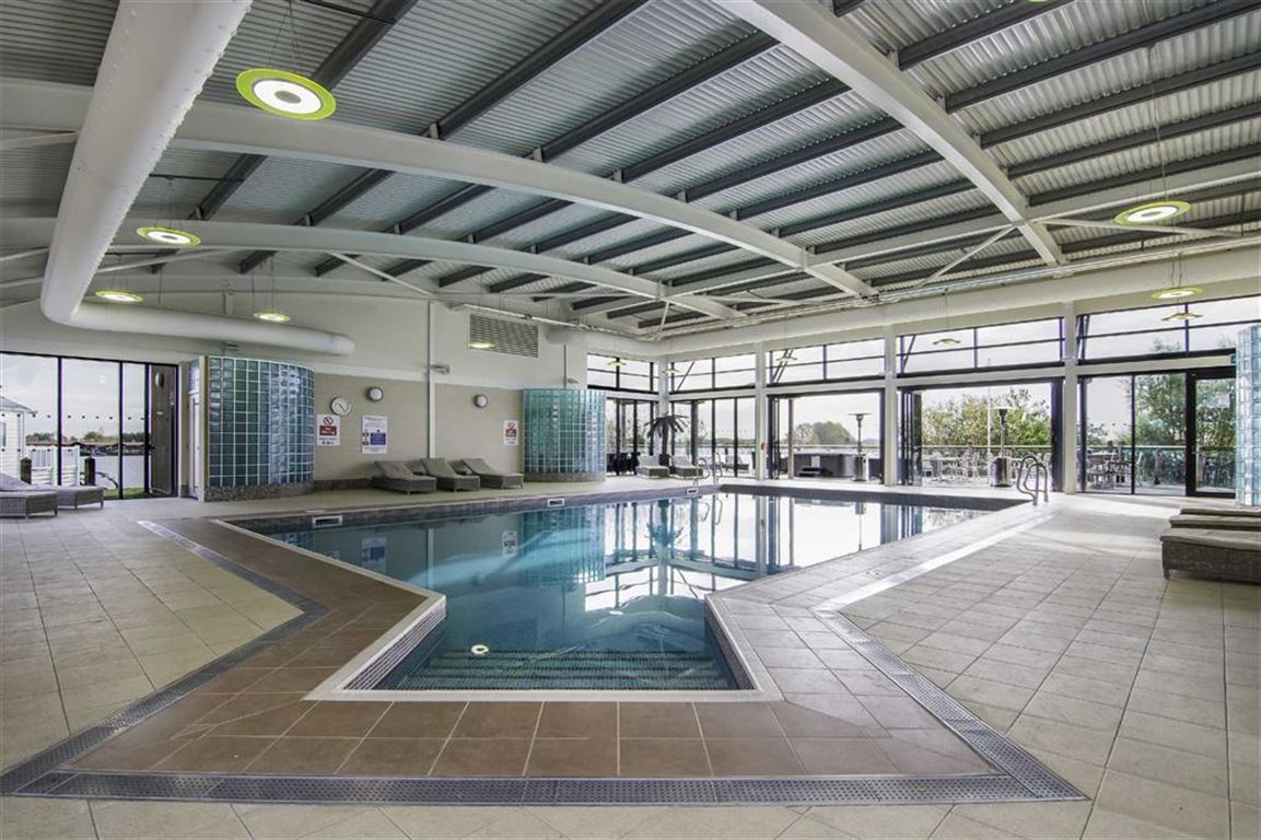 Ref 8 tattershall ln4 3 bed park home ln4 4lr 79 995 for sale mouseprice for Tattershall lakes swimming pool
