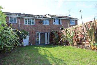 Property in Ryefield Avenue, Hillingdon, UB10