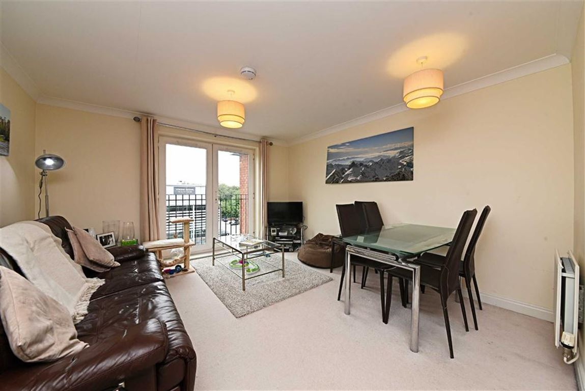 2 Bedrooms Property for sale in Langstone Way, Mill Hill, London, NW7