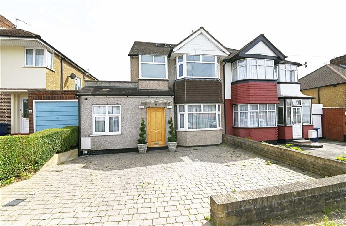3 Bedrooms Semi Detached House for sale in Salcombe Gardens, Mill Hill, London, NW7