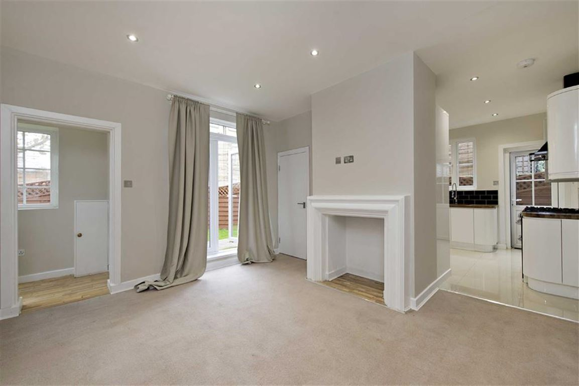 3 Bedrooms House for sale in Penwortham Road, Furzedown, London