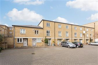 Property in Blundell Close, London E8