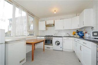 Property in Garnies Close, London SE15