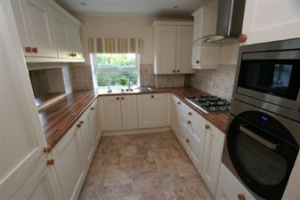Property in Little Heath Road, Christleton