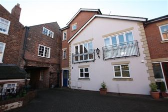 Property in Gloverstone Court Chester