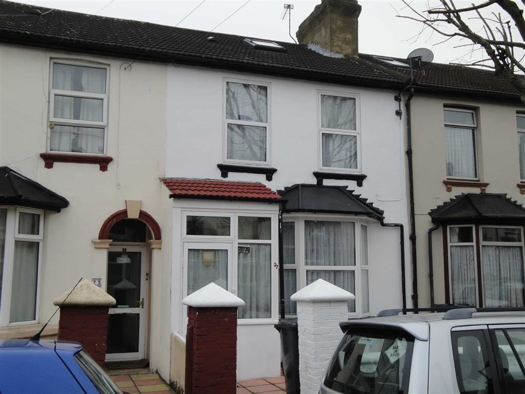 3 Bedrooms Terraced House for sale in Randolph Road, Southall, Middlesex