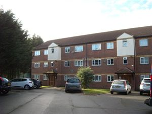 Property in Petworth Way, Elm Park, Hornchurch