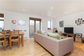 Property in Lord Raglan Court, Southgate Road, N1