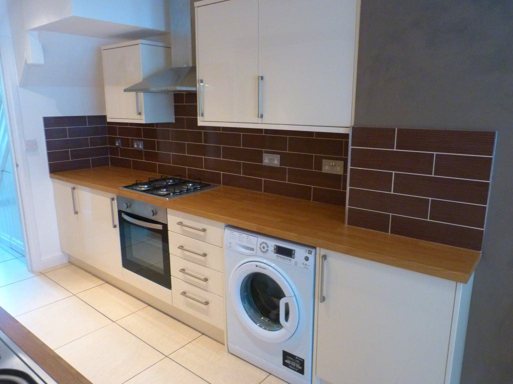 7 Bedrooms House for rent in Maindy road, Cathays [ 7 Beds ]