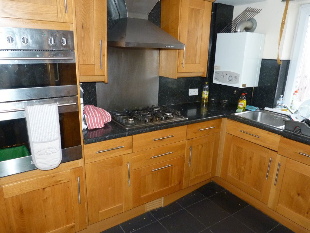 7 Bedrooms House for rent in Mundy Place, Cathays, ( 7 beds )