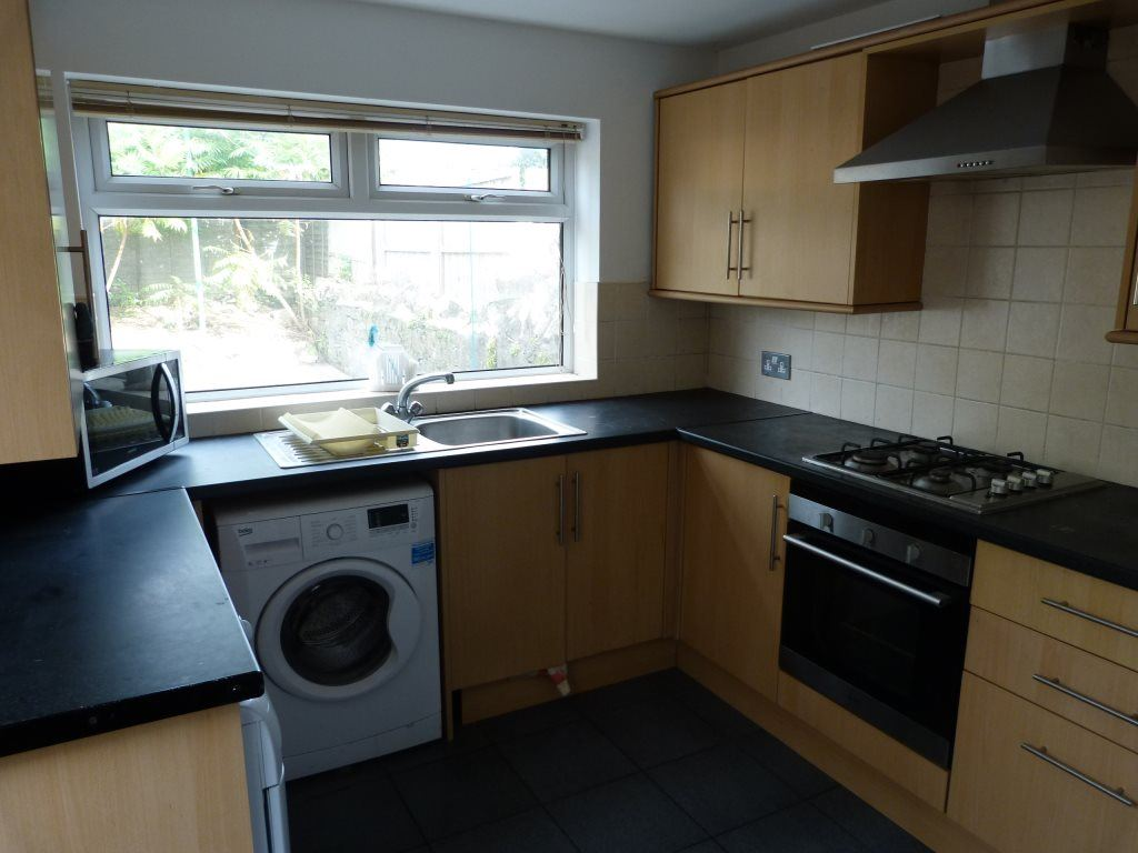 5 Bedrooms House for rent in Violet Row, Roath (5 beds)
