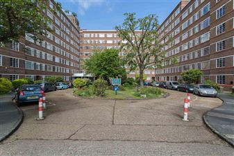 Property in Du Cane Court, Balham High Road, SW17