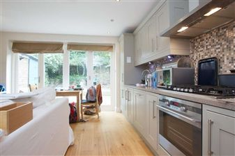 Property in Ravenscourt Road, W6