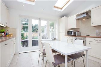 Property in Riverview Grove, W4