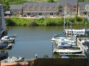 Property in Victoria Wharf, Cardiff Bay, ( 2 Beds )