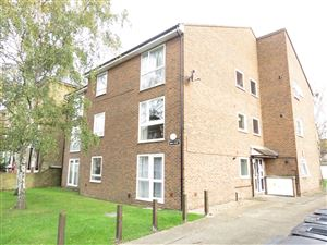 Property image of home to let in Royston Avenue, Wallington