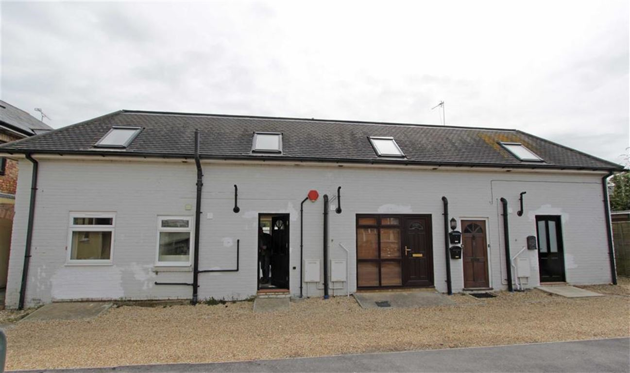 Pennington, Hampshire, SO41
