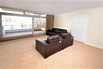 Property in London House, 7-9 Avenue Road, St. John's Wood