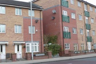 Property in Chorlton Road, Hulme M15 4Jg, Manchester