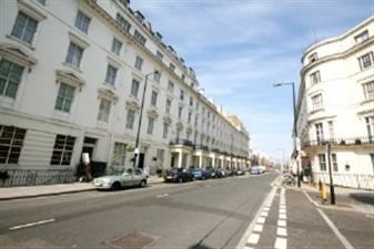 Property in Zone 1, W2, Next to Hyde Parks beautiful Italian F