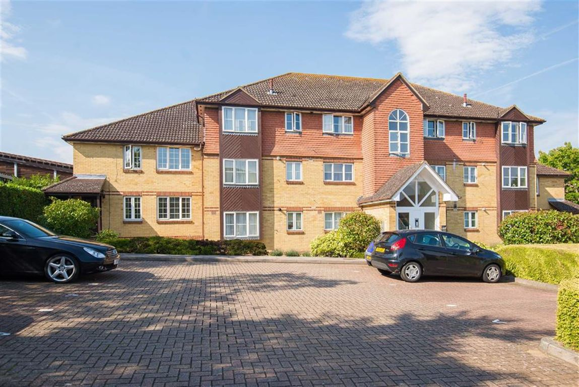 2 Bedrooms Apartment Flat for sale in Thompson Way, Rickmansworth, Hertfordshire, WD3
