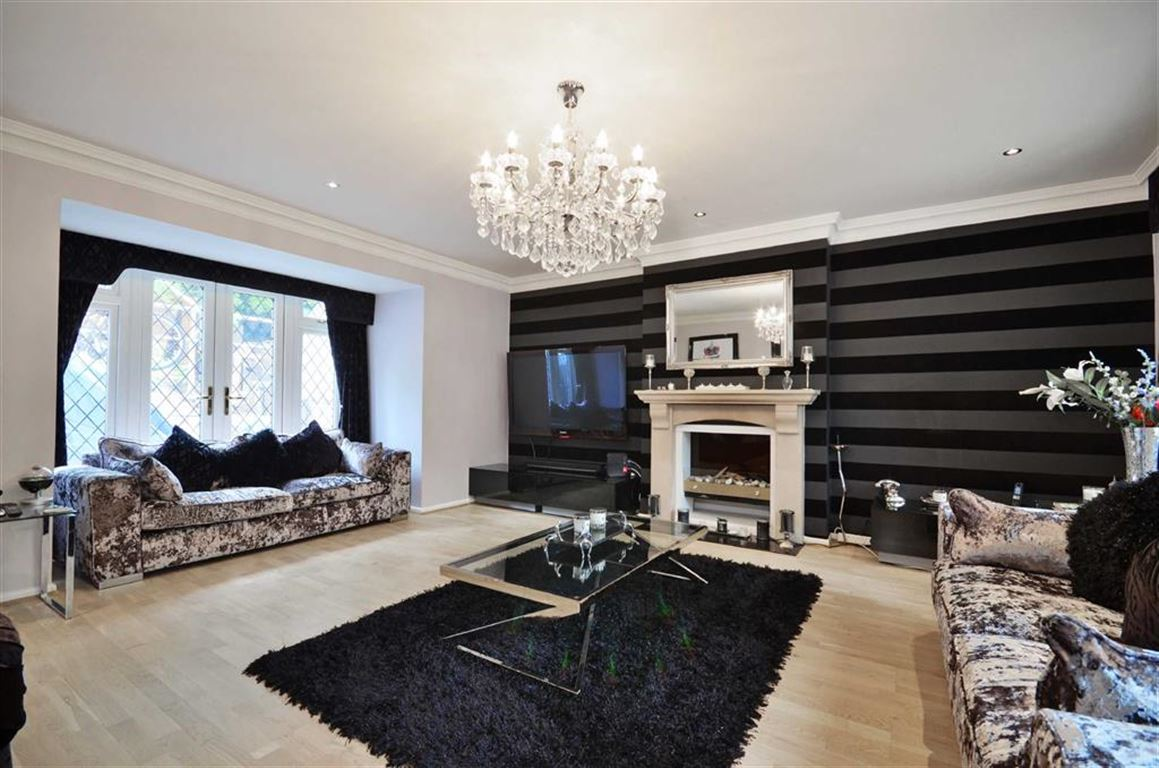 5 Bedrooms Property for sale in Valley Road, Rickmansworth, Hertfordshire, WD3