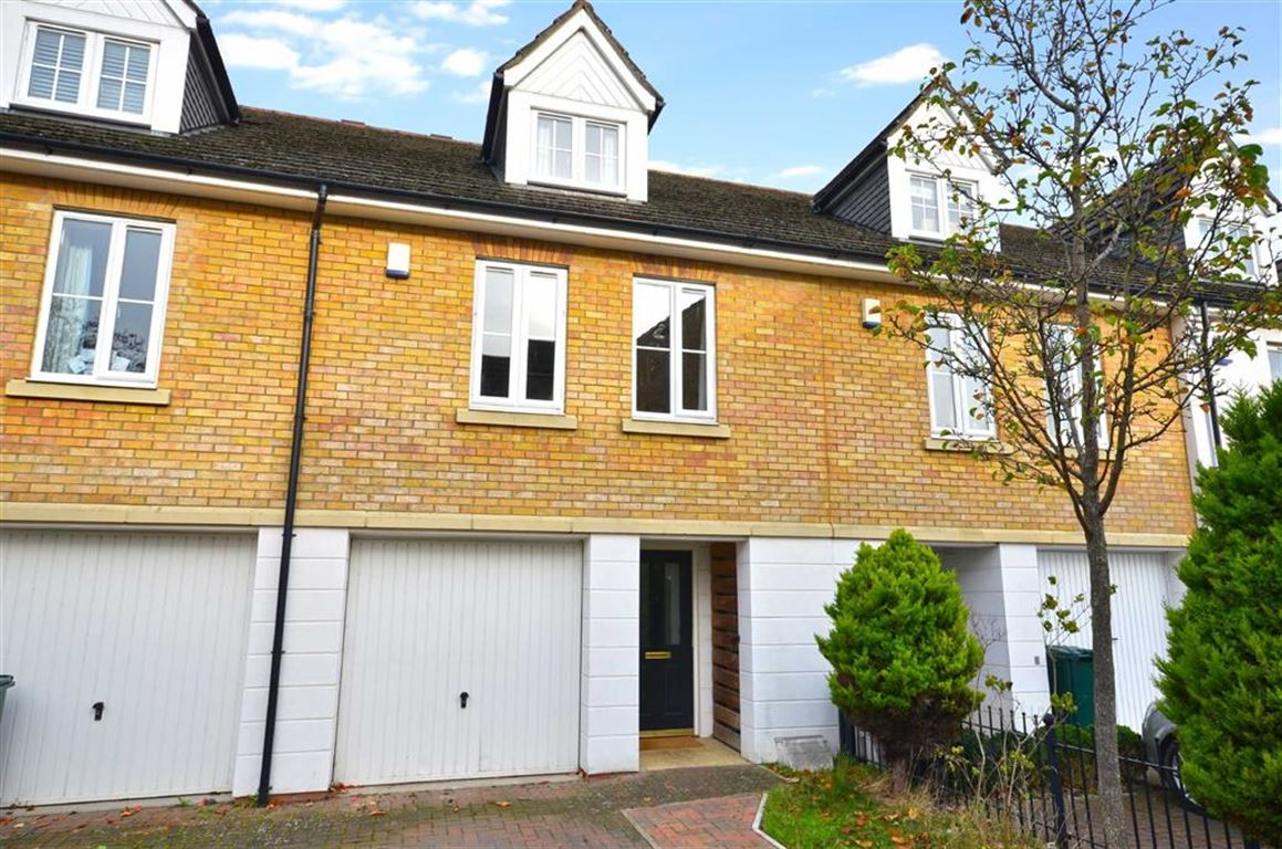 3 Bedrooms Town House for sale in Shepherds Farm, Rickmansworth, Hertfordshire, WD3