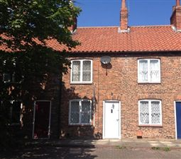 Property image of home to let in Dobsons Row, Selby