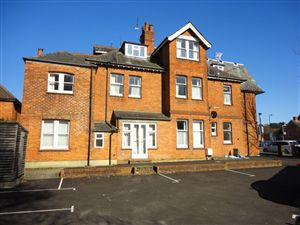 Property image of home to let in Silverthorne, Camberley