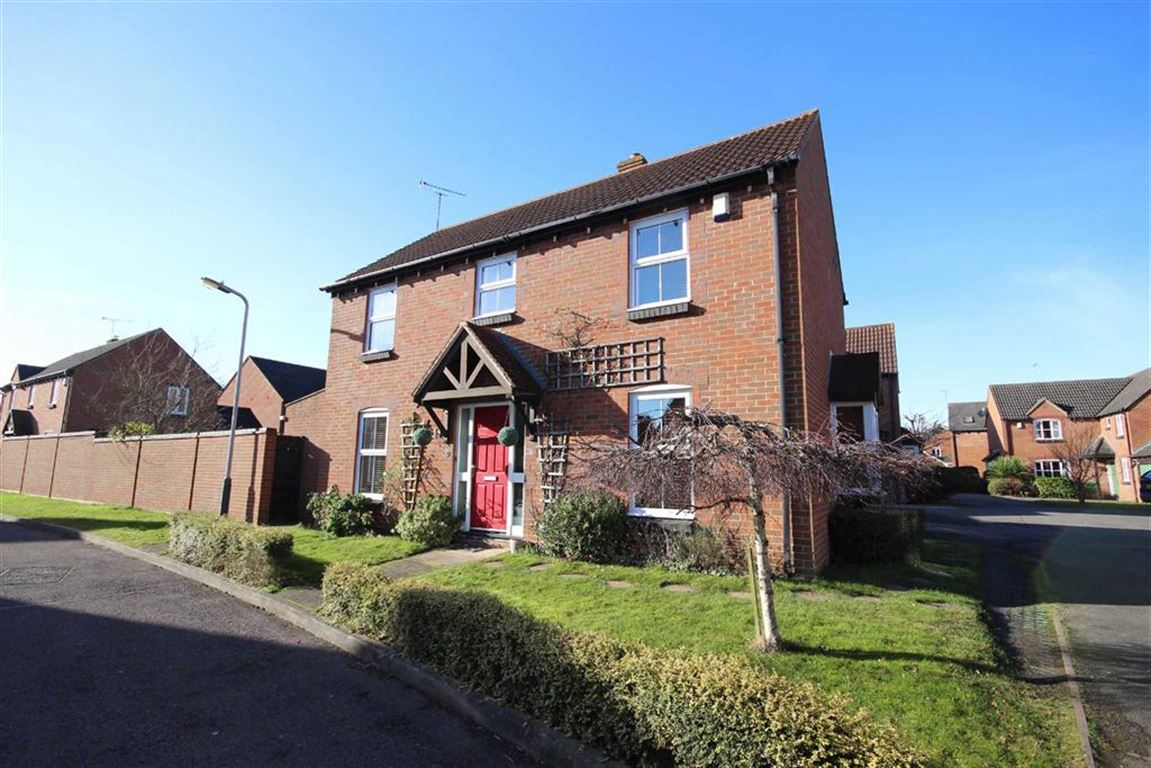 3 Bedrooms Detached House for sale in Trinculo Grove, Warwick Gates, Warwick, CV34