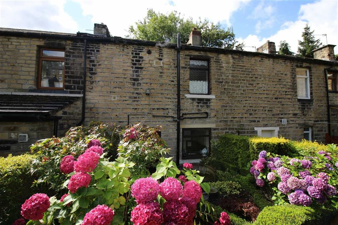 2 Bedrooms Property for sale in James Street, Golcar, Huddersfield