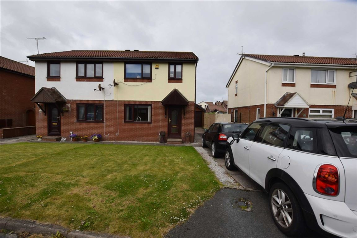 3 Bedrooms Semi Detached House for sale in Webstray Close, Barrow In Furness, Cumbria