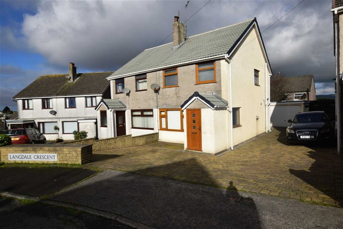 3 Bedrooms Semi Detached House for sale in Langdale Crescent, Dalton-in-Furness, Cumbria
