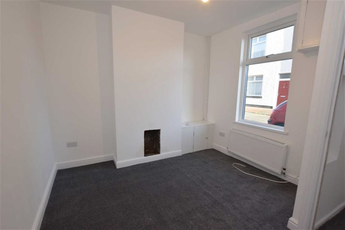 2 Bedrooms Terraced House for sale in Thwaite Street, Barrow-in-Furness, Cumbria